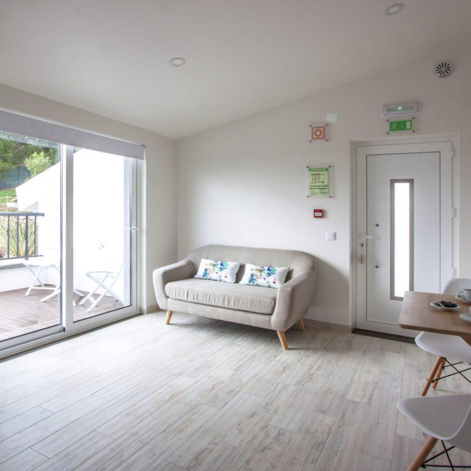Terrace Residence Hillside House - Suites & Spa